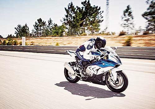 BMW bate récords en motos