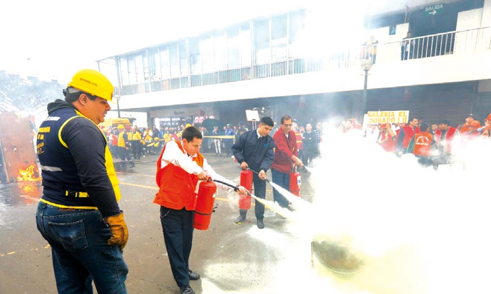 Simulacro de incendio en el Mercado Central