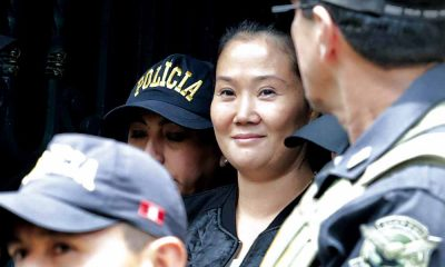 Keiko Fujimori detenida sonriendo
